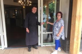 Restaurant Poort van Loon krijgt Toegankelijkheidssticker!